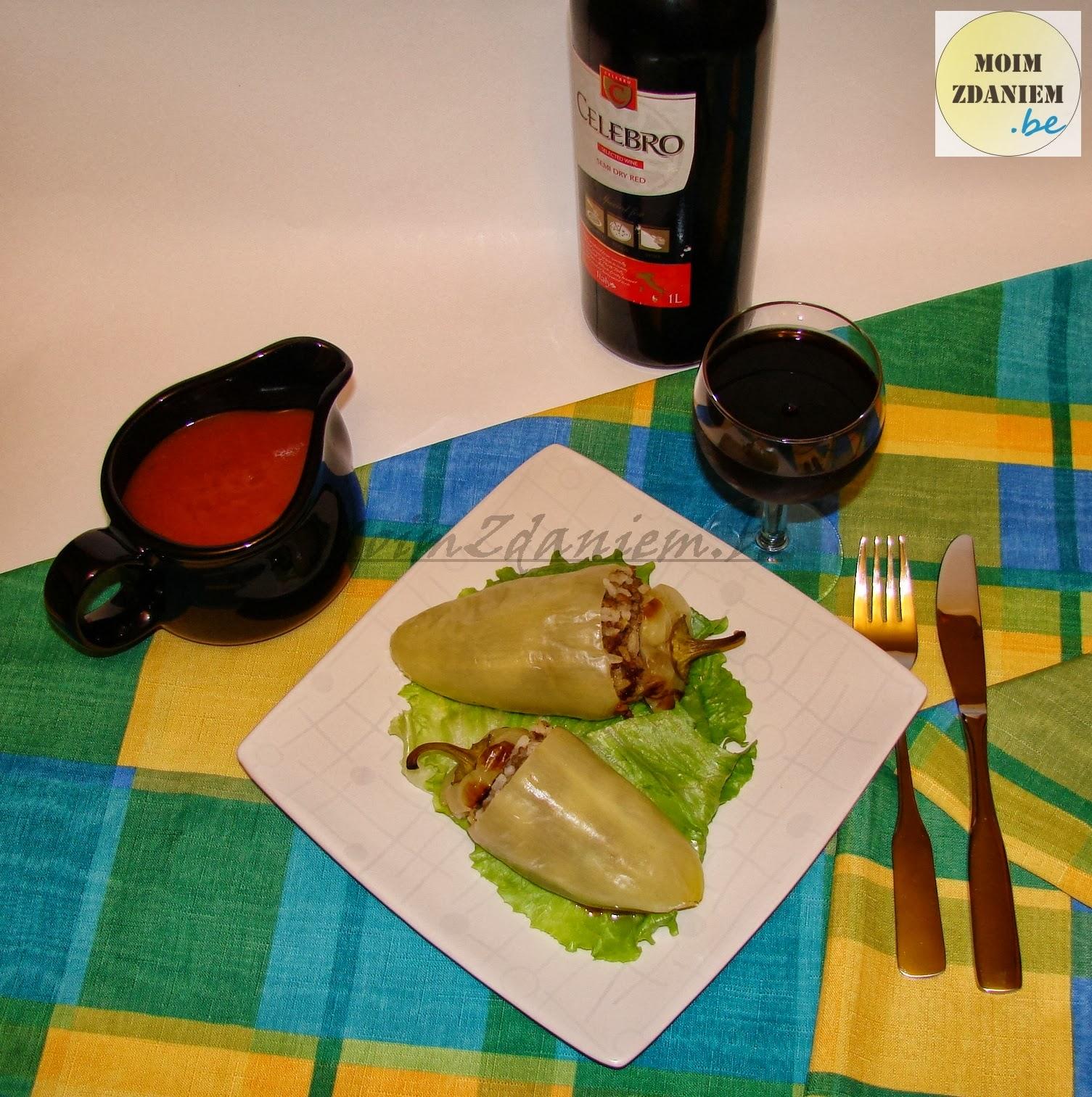 papryka faszerowana z mięsem i serem